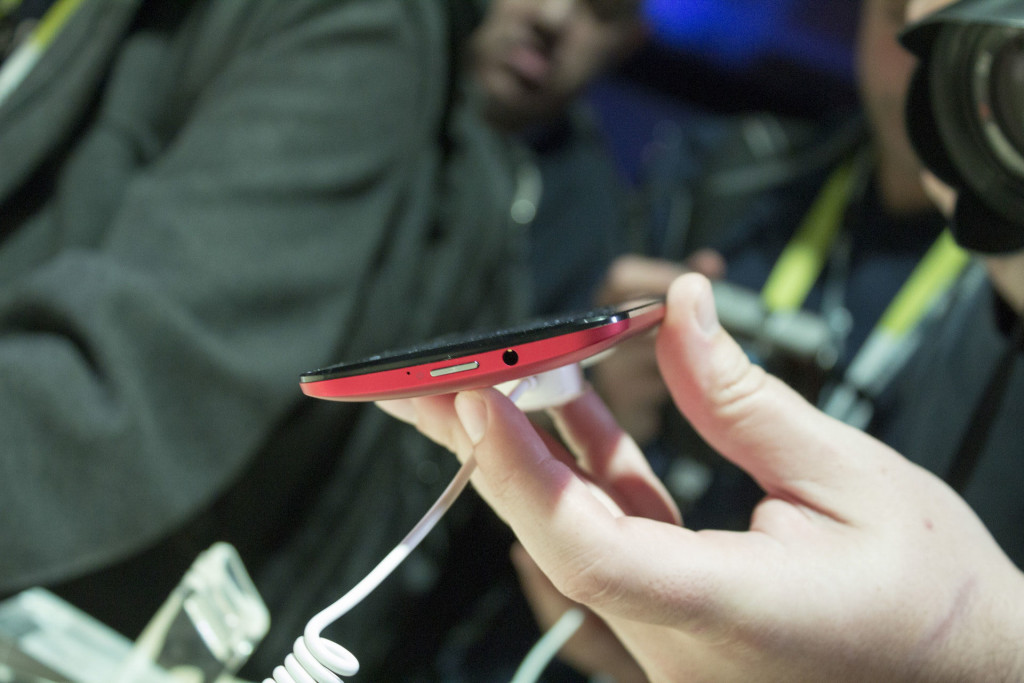 Video: Kesan Pertama Mengupas Asus Zenfone 2